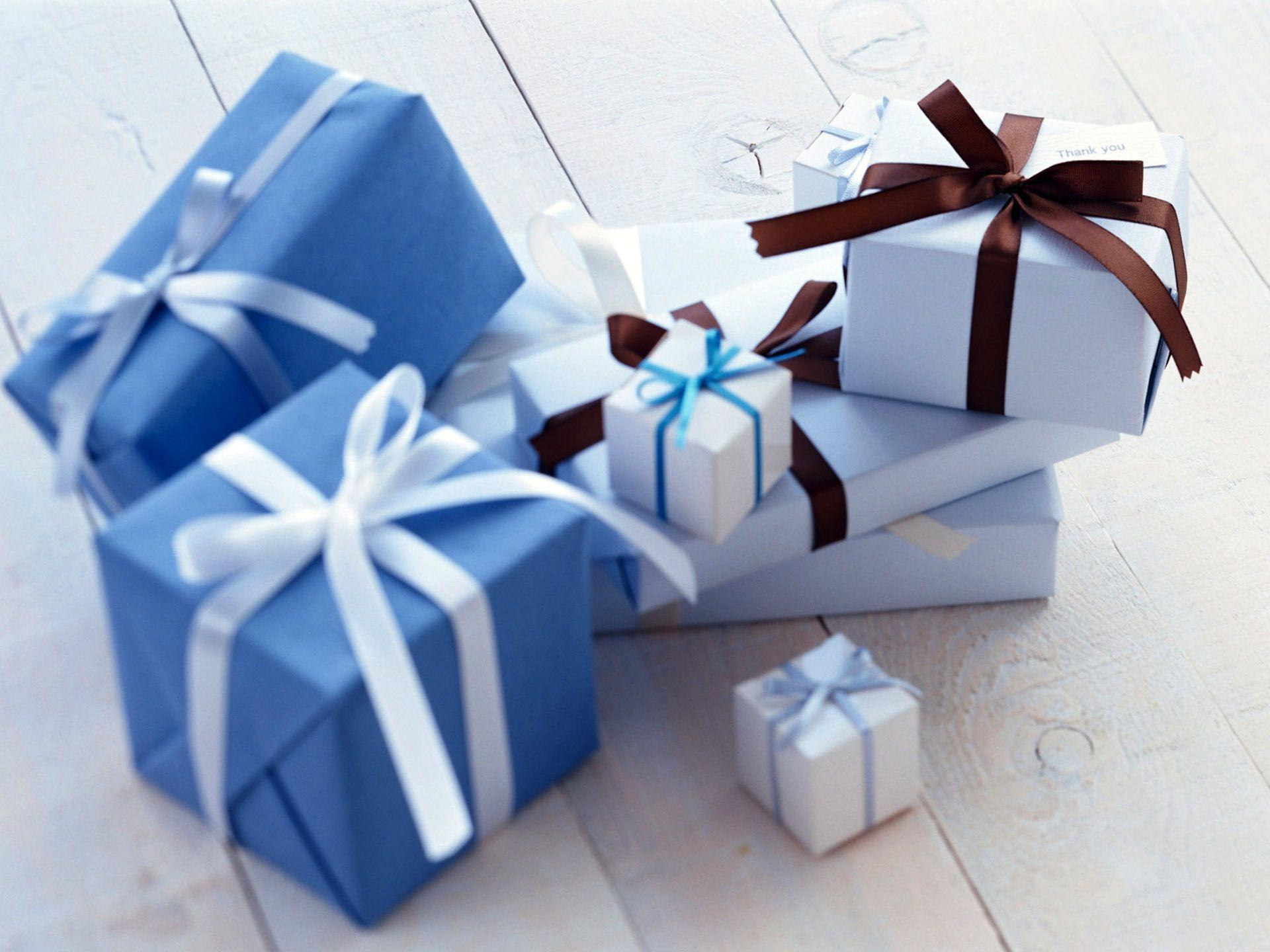 Gifts on Anniversary